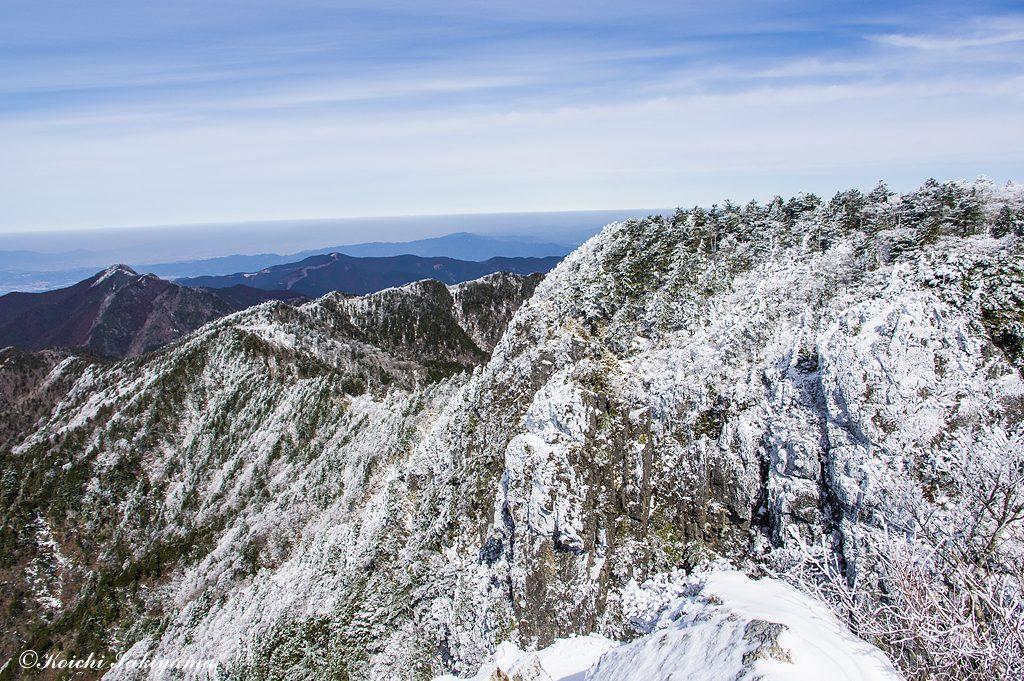登ってきた大峰奥駆道の稜線