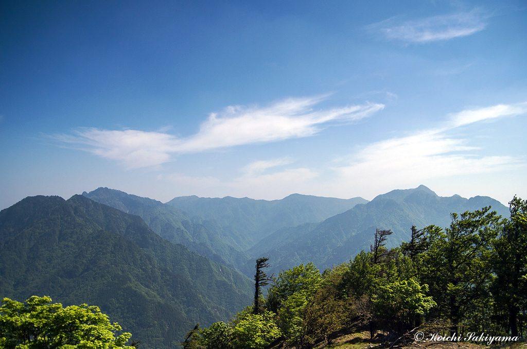 ザンギ平から北部大峰山脈の山々