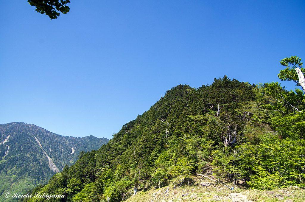 ザンゲ平から鐡山