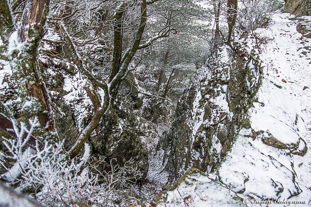 厳冬期には直登されることもあるキレット