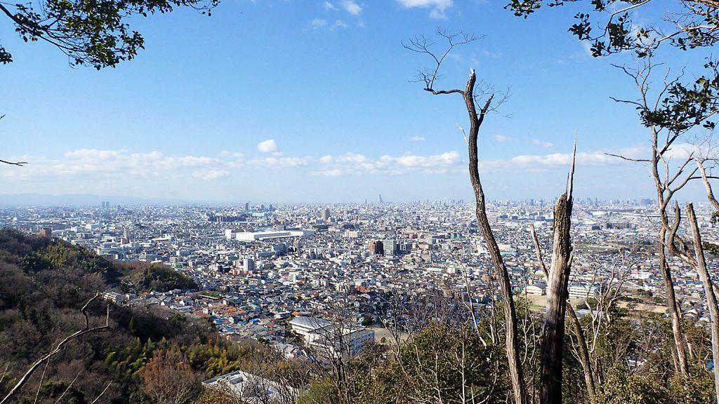 北条神社から三好道を通り、途中の展望地より