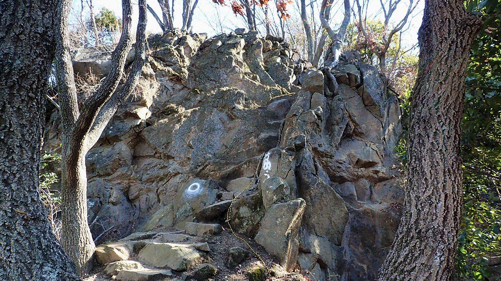 三好道途中の岩場