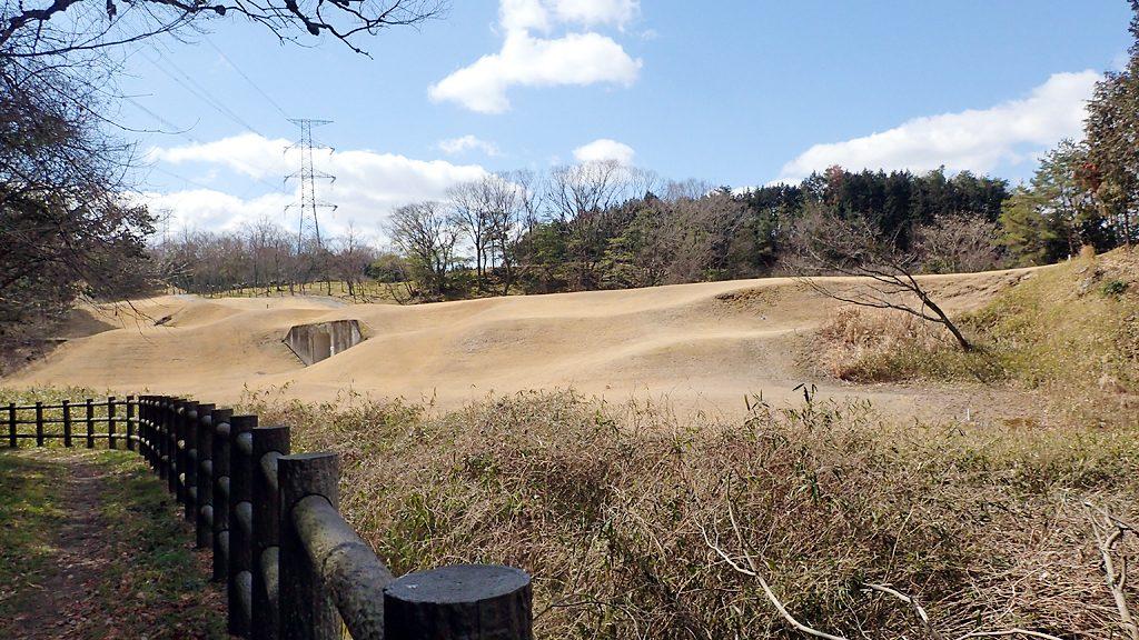 登山道から見える阪奈カントリー