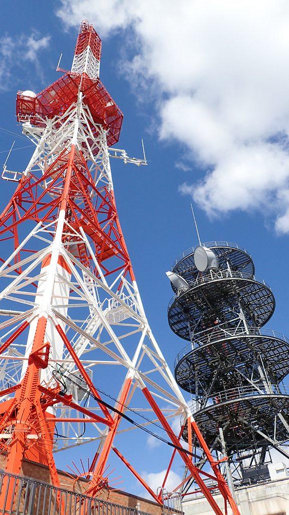 生駒山山頂の電波塔
