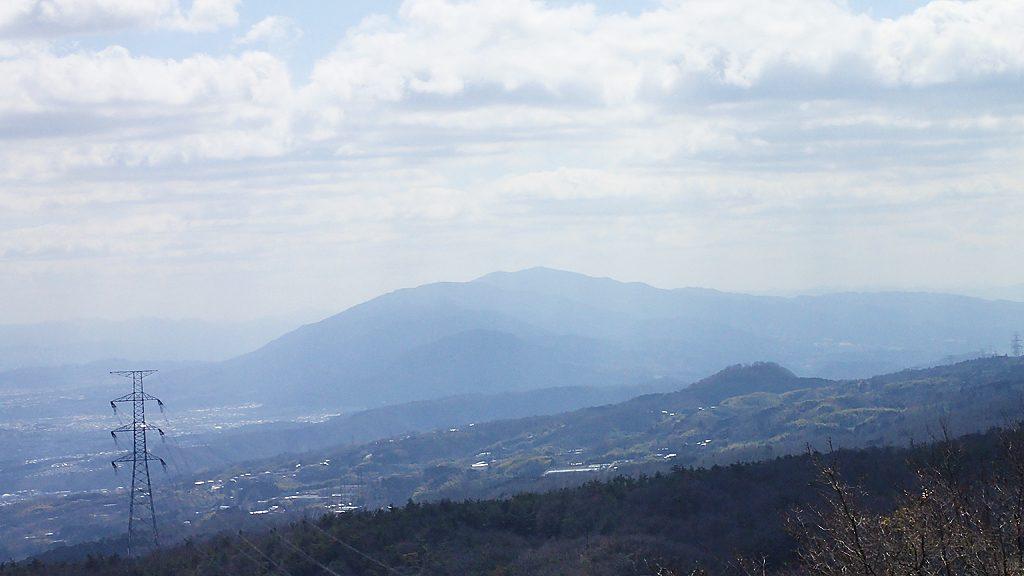 パノラマ展望台から大和葛城山と金剛山