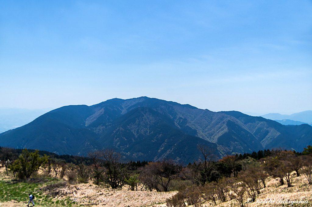 山頂高原から金剛山の雄姿
